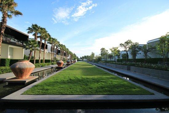 Baan Yamu Residences : Территория отеля