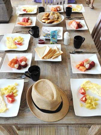 Premium Villas Seminyak: International Breakfast