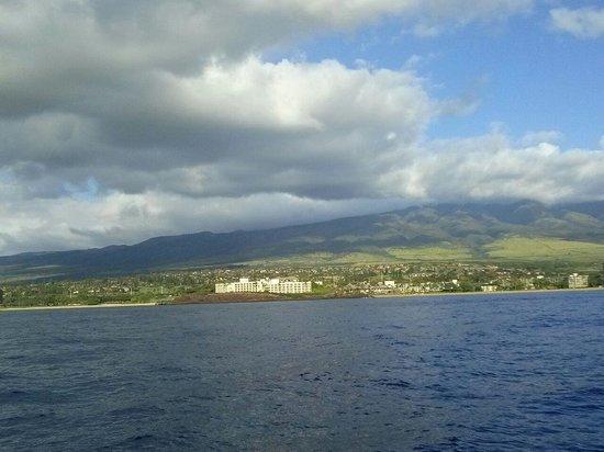 Trilogy Excursions : Sailing off Ka'anapali Beach