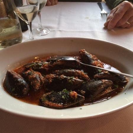 La Scogliera: stuffed mussels