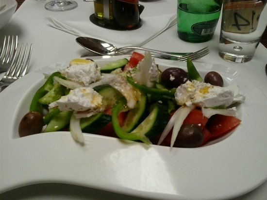 Ajax Hotel: Greek salad