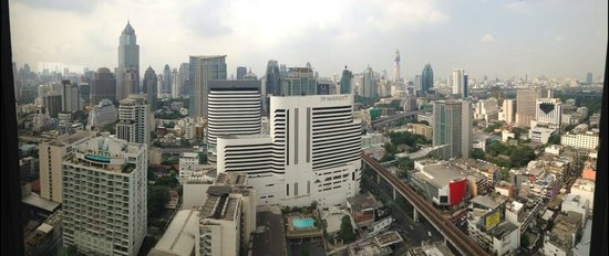 Landmark Bangkok : suite with a view