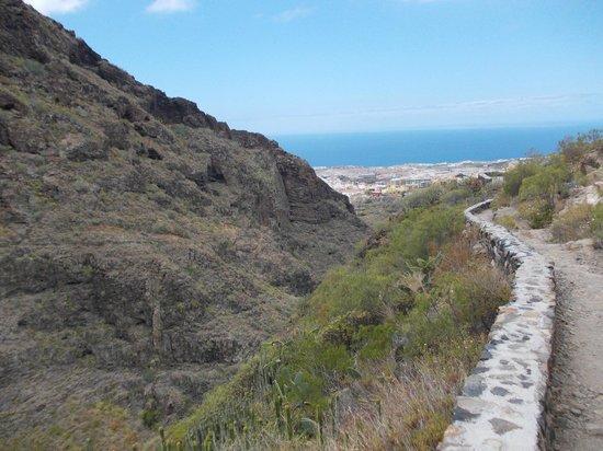 Barranco del Infierno: Ścieżka wzdłuż ścian wąwozu
