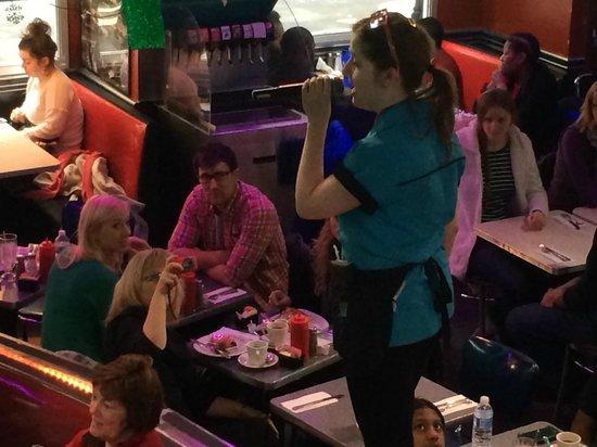 Ellen's Stardust Diner : ellens diner!