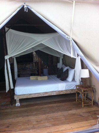 La Cocoteraie Ecolodge Luxury Tents: comfy bed