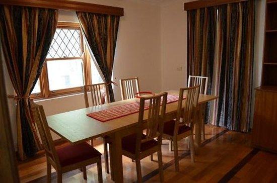 Three-Bedroom Retreat at Hahndorf Motel