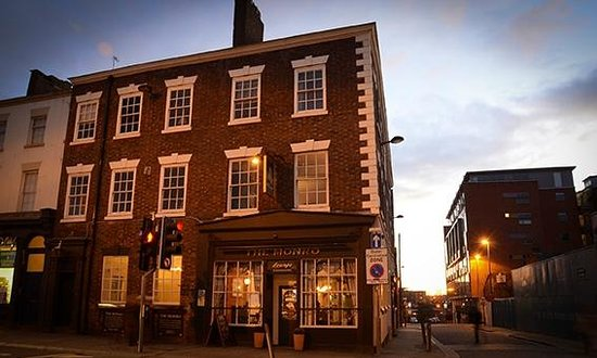 The Monro Gastropub: Looking rather smart from the outside at dusk.