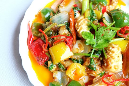Lanna River Club: Stir fried squid with salted egg