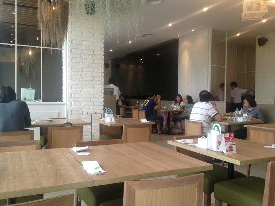 The Terrace Restaurant (Central Chidlom): Restaurant1