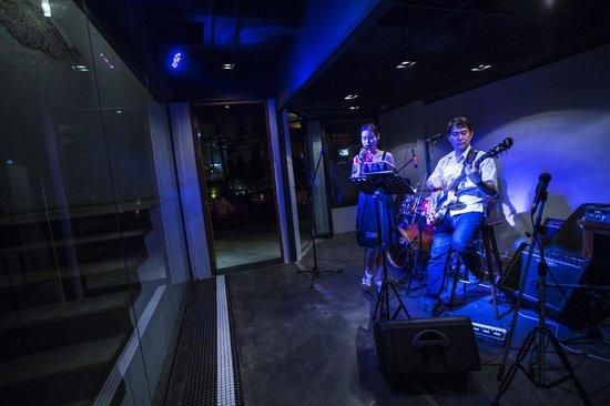 Lanna River Club: Live Band