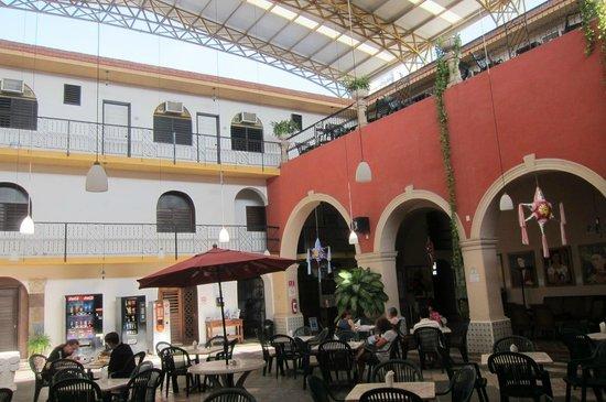 Hotel Doralba Inn : Le patio