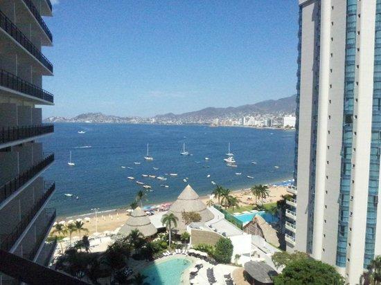 Grand Hotel Acapulco: Vista do 10 andar na varanda da suite