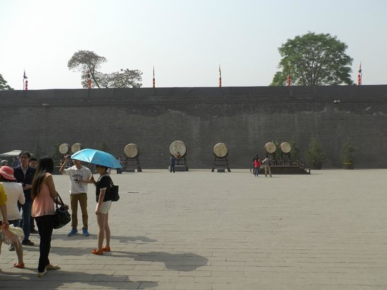 Murailles de Xi'an : 内部(太鼓の演舞がある。見ごたえあり)