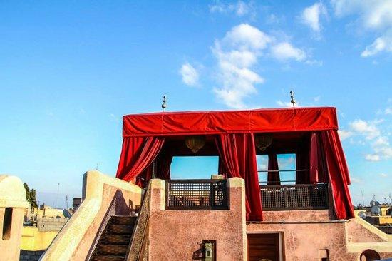 AnaYela: Roof Top - Flying Carpet