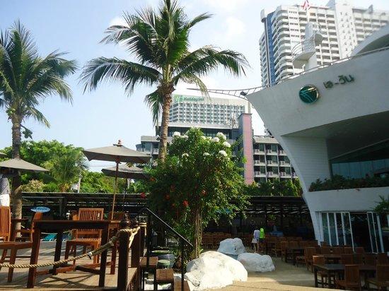 A-One The Royal Cruise Hotel: отель