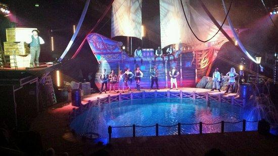 Hippodrome Circus : The set