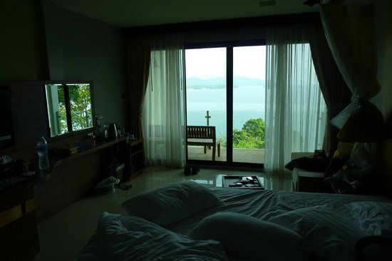 Secret Cliff Resort: compare what I have to what is shown on booking.com. the view is similar, but the room way infer
