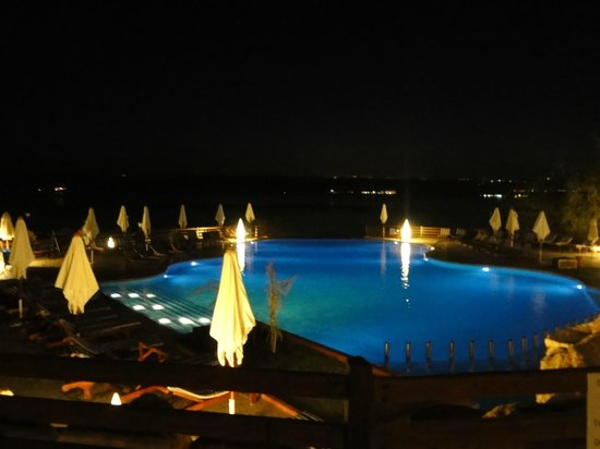 Jordan Valley Marriott Resort & Spa: One of the 3 pools