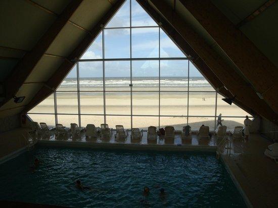 Thalassa Le Touquet: piscine avec vue
