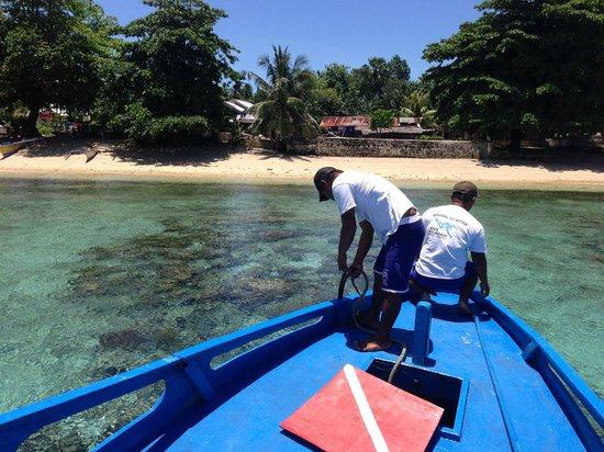 Siladen Resort & Spa : Arriving at Siladen Island & Siladen village