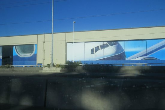 Future of Flight Aviation Center & Boeing Tour: Factory Wall Graphics Look Cool !