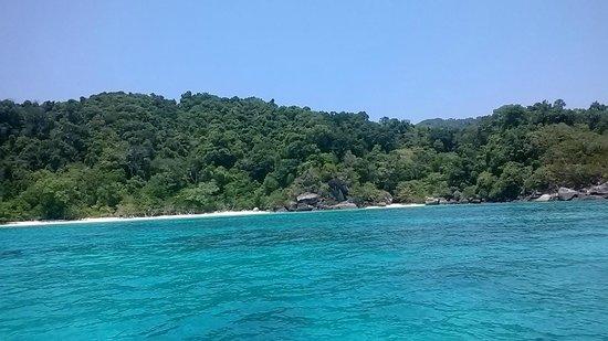 The Sarojin: Snorkelling Similan Islands
