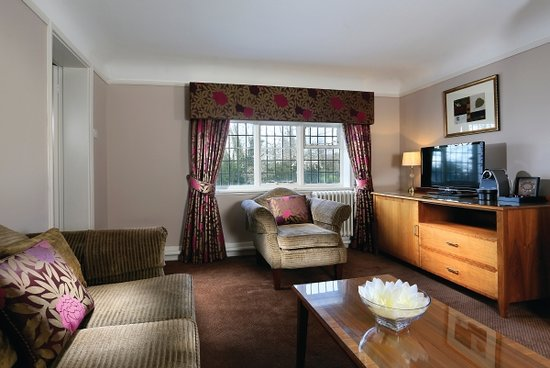 Ledsham, UK: Feature Suite Lounge
