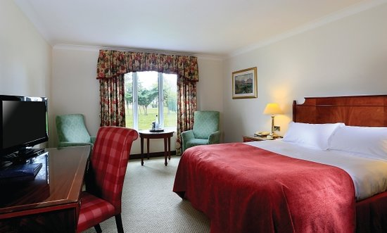 Ledsham, UK: Classic Double Bedroom