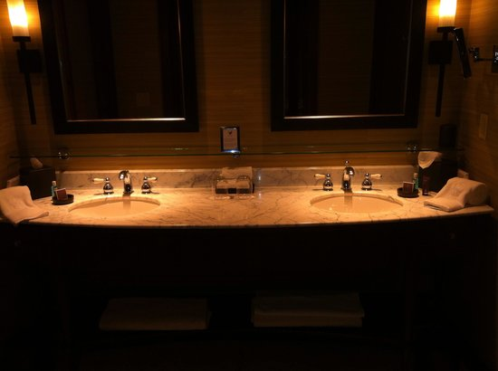 The Ritz-Carlton, Bachelor Gulch: Bathroom