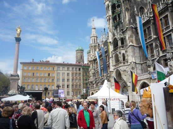 Marienplatz: Общий вид