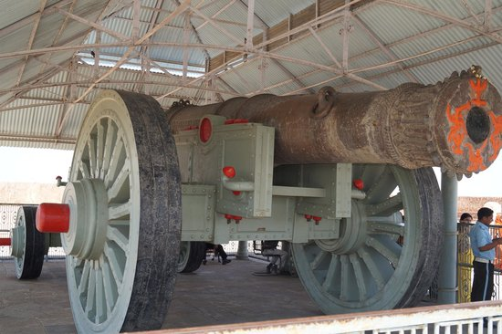 Jaigarh Fort : The cannon 2