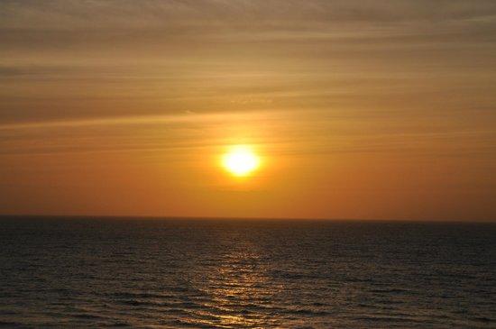 Acqualina Resort & Spa on the Beach: sunrise