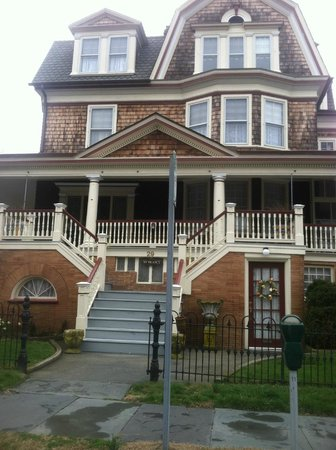 Carroll Villa Hotel: another cape may home