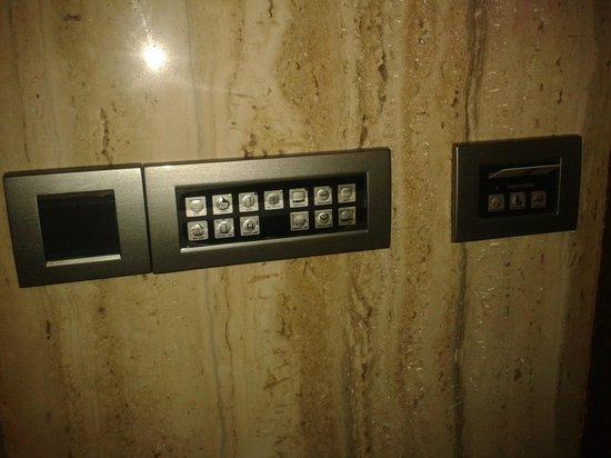 Tunga Regale: Hi-tech switches