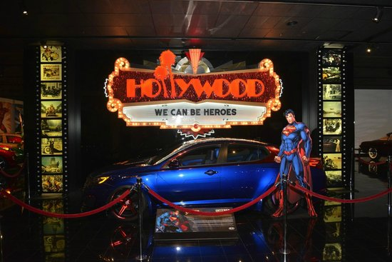 Petersen Automotive Museum : Hollywood