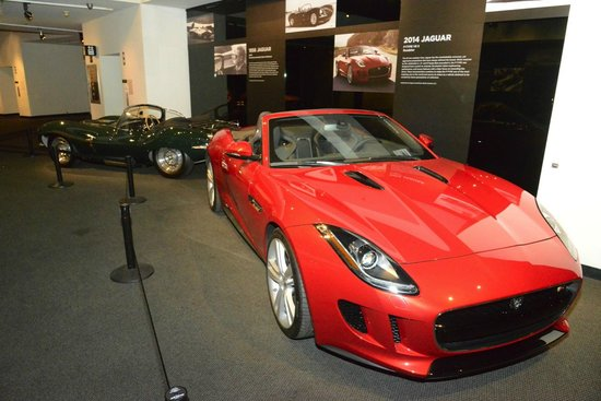 Petersen Automotive Museum : Jaguar