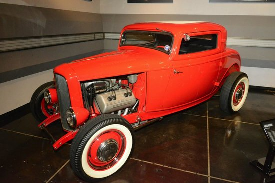 Petersen Automotive Museum : Hot Road