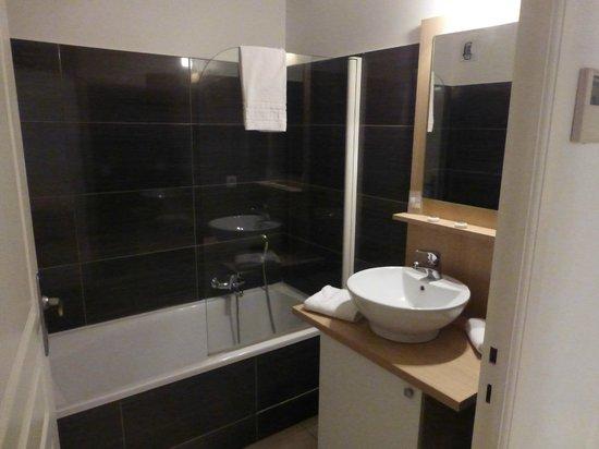 Zenitude Hôtel-Résidences La Tour de Mare : il bagno