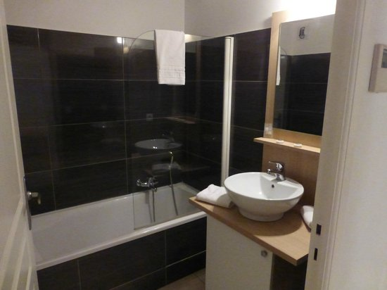 Zenitude Hotel-Residences La Tour de Mare: il bagno