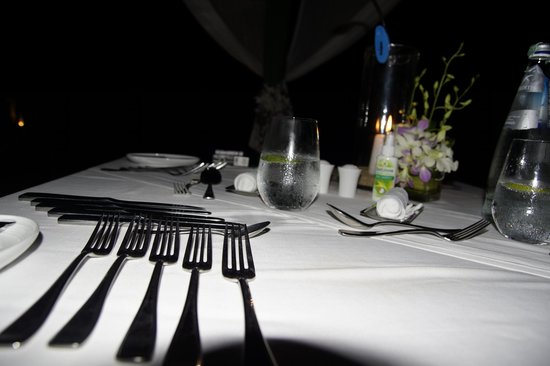 H Bistro at Hansar Samui: Dinning under the Stars