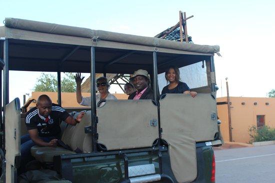 Leokwe Camp - Mapungubwe National Park: Eliseu Canuma - Mapungubwe Game drive @ Mapungubwe