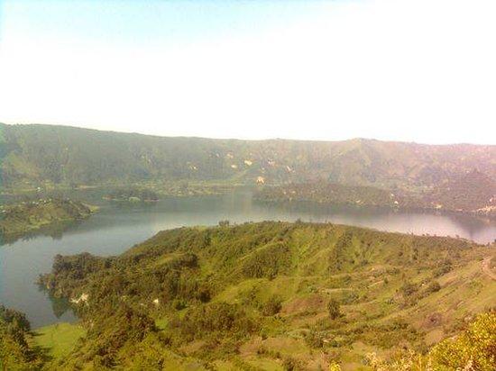 Ambo, Etiopia: The Lake