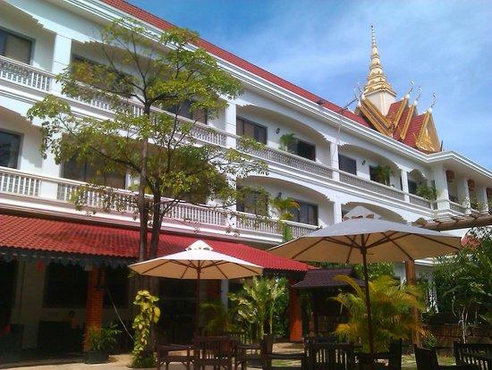 Lin Ratanak Angkor Hotel: Отель