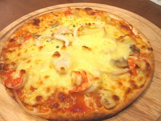 UCC COFFEE SHOP: ucc cafe - seafood pizza 1