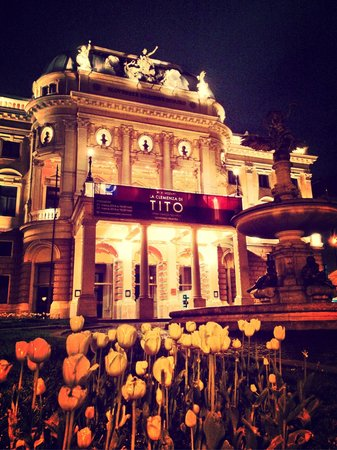 Slovak National Theatre: night at the opera