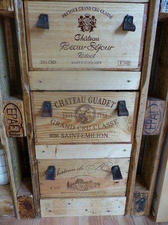 Chateau de Courtebotte: Clin d'oeil à la région vinicole
