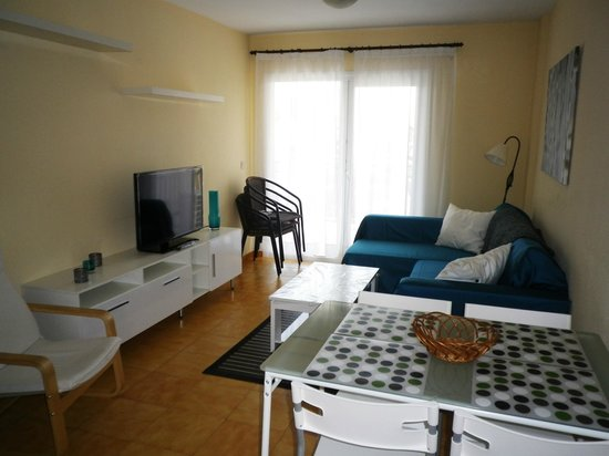 Yamasol Apartments: Internet por cable gratis. Posibilidad de conectar su portátil a la TV y utilizar de monitor