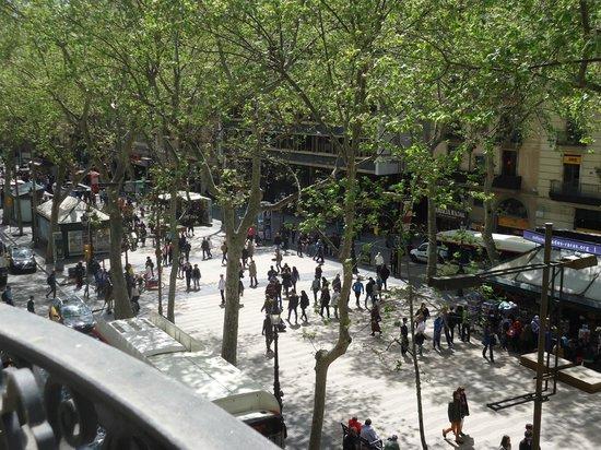 Hotel Continental Barcelona : vista de la Rambla Catalunia