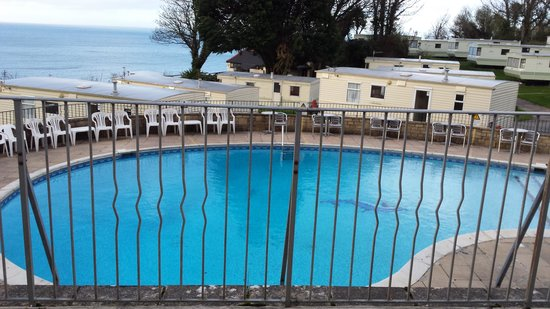 Sandaway Beach Holiday Park: The pool