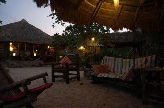Coral Bay Beach & Dive Resort: Coral Bay